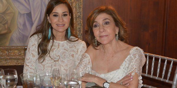 Jeannette y Yolanda Larach