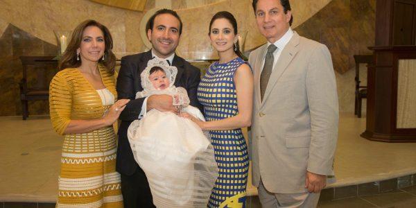 Sandra Canahuati, Óscar, Valentina y Stephanie Larach y Mario Canahuati