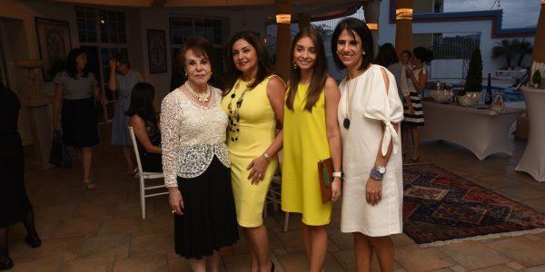 Noly Kafati, Emma y Paola Midence y Dina Mena