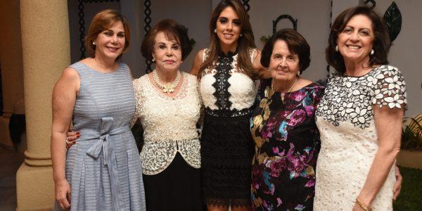 Nadia y Noly Kafati con Daniela Misas, Georgette Katimi y Marina Misas