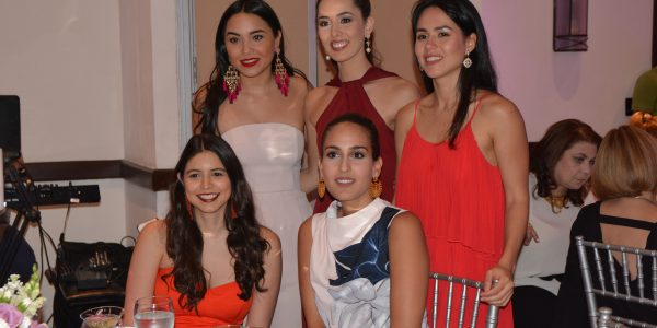 Ana Lucía Albir, Sofía Barletta, Hortensia García, Yamileth Chahín y Nicollette Chahín