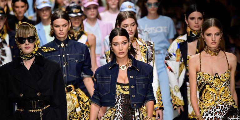 b785756698 25 September, 2018. 25 September, 2018. ¡Es oficial! Michael Kors compró  oficialmente la reconocida marca Versace ...