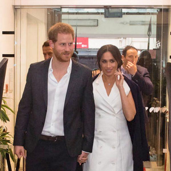 Meghan Markle y el príncipe Harry saludan a los muertos vivientes