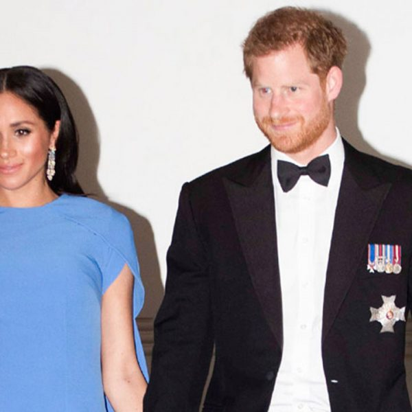 Meghan Markle luce su embarazo con espectacular vestido