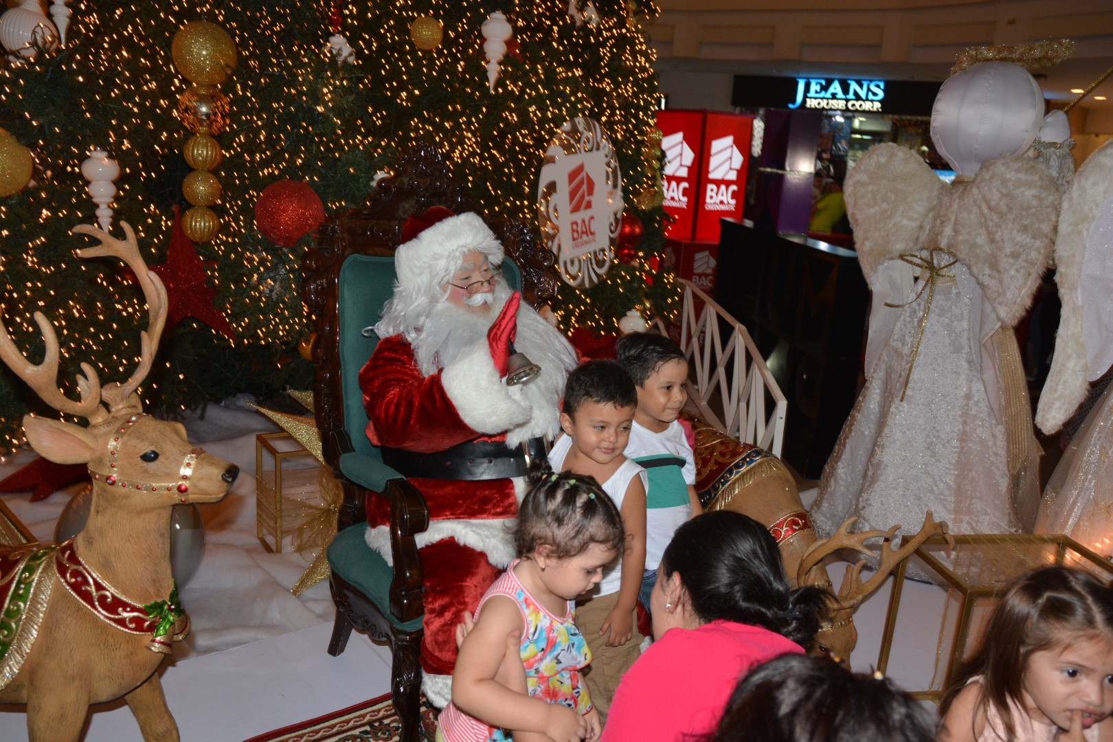Multiplaza San Pedro Sula da la bienvenida a la temporada navideña