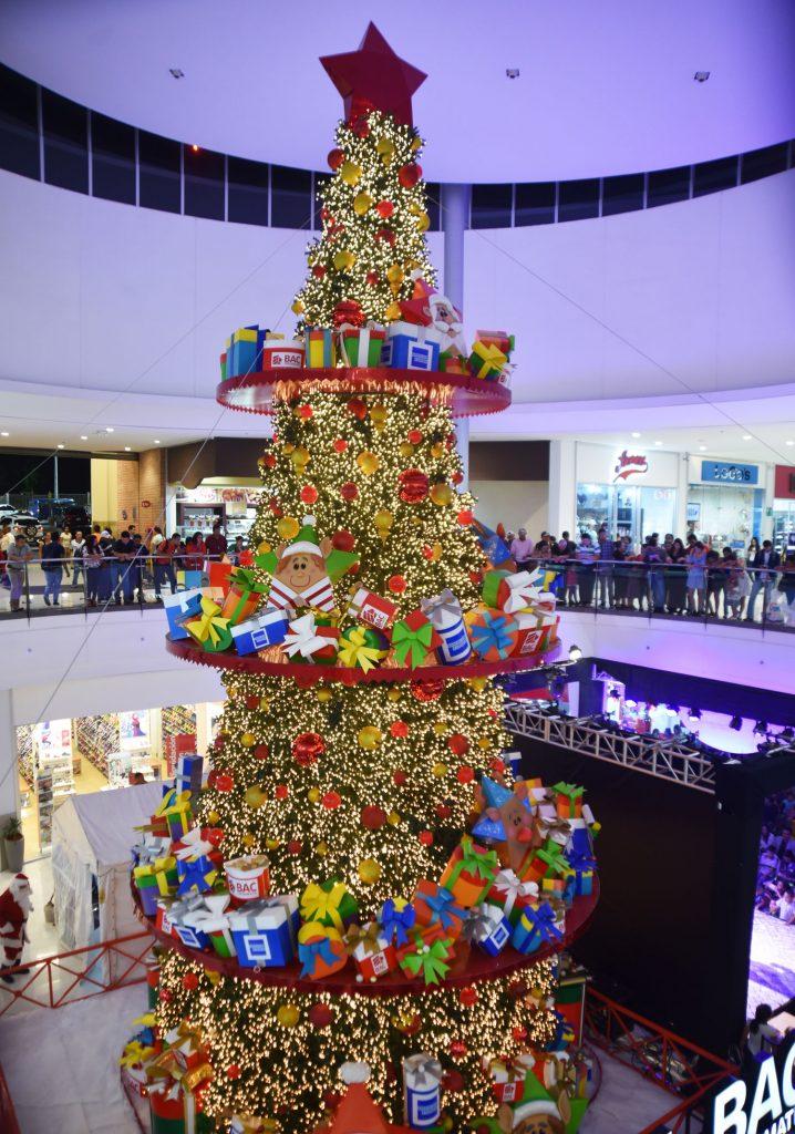"""Metromall inauguró la temporada navideña con """"Un Cuento de Navidad"""""""