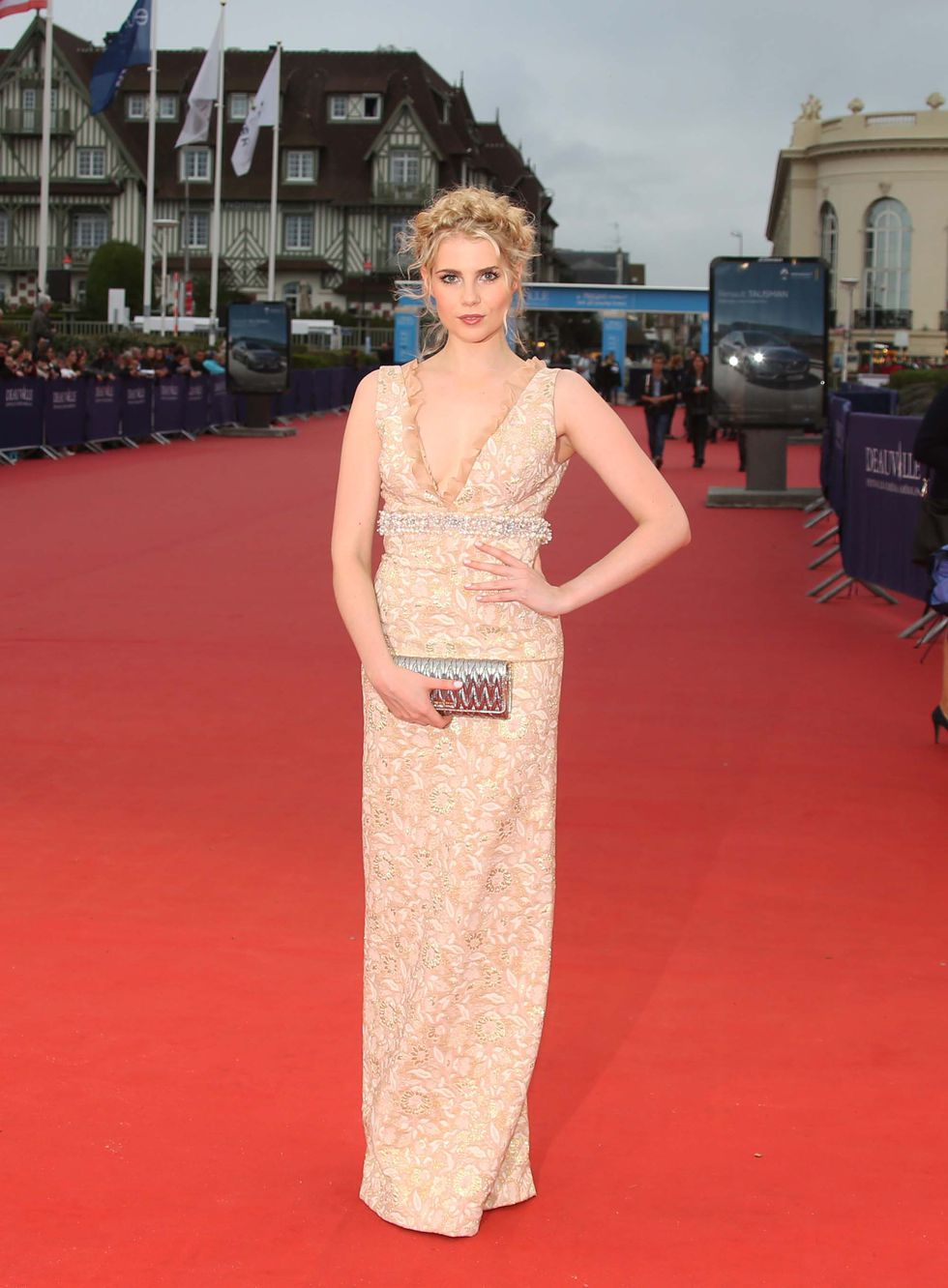 "Lucy Boynton, la nueva ""It Girl"""