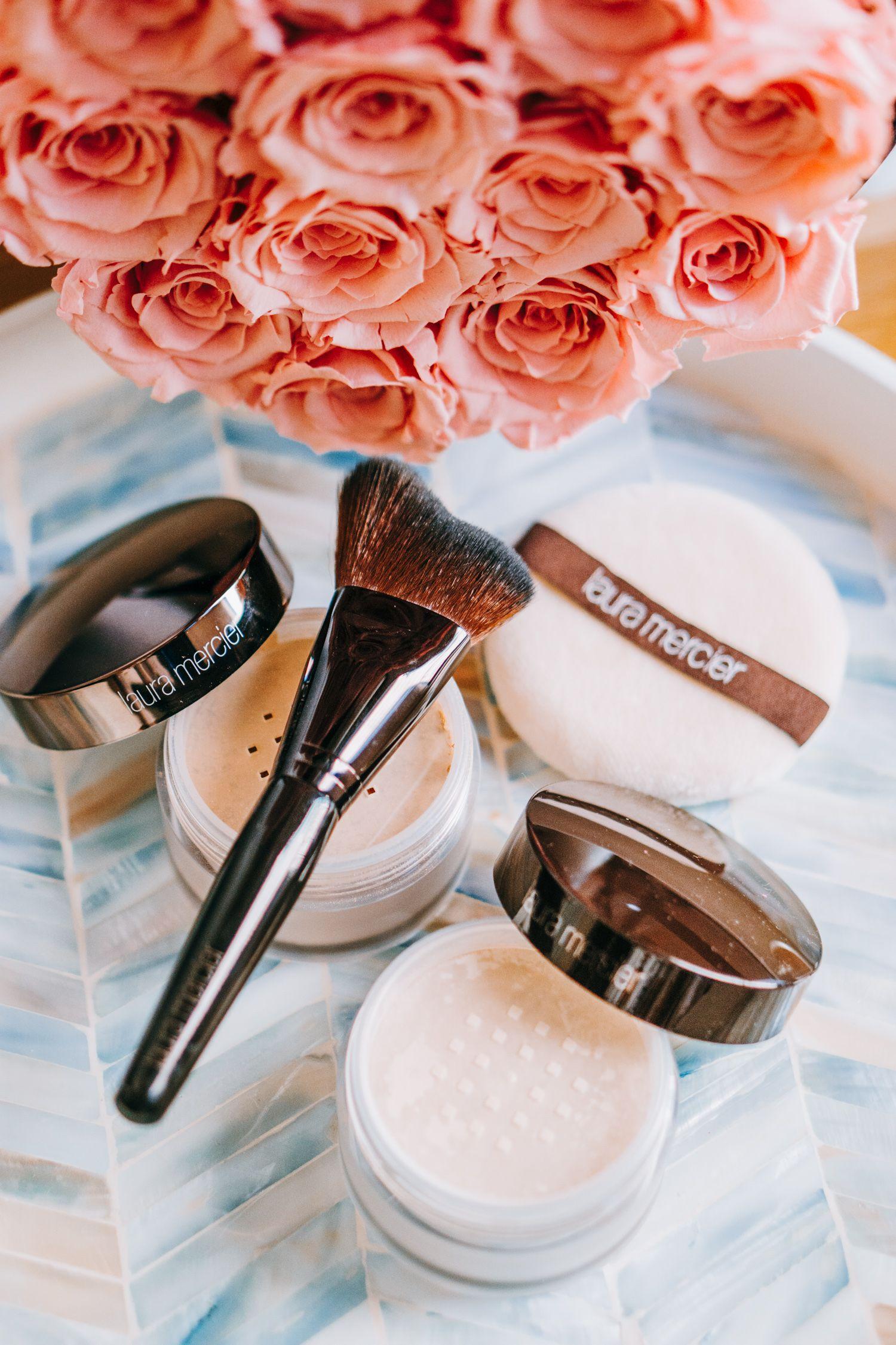 5 productos de maquillaje que debes llevar en tu bolso