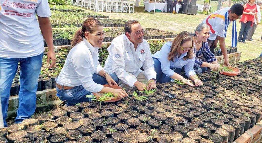 Reconocen labor y trayectoria ambiental de Cervecería Hondureña