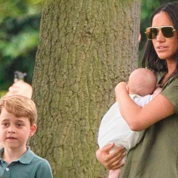 Meghan Markle y su hijo Archie, en el partido de polo del príncipe Harry