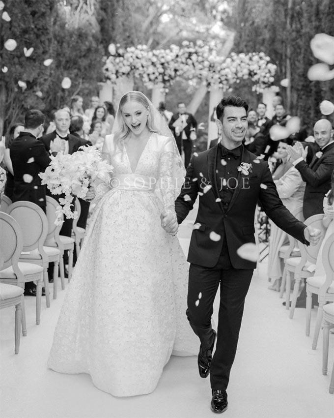 Joe Jonas y Sophie Turner comparten la primera foto de su boda en Francia