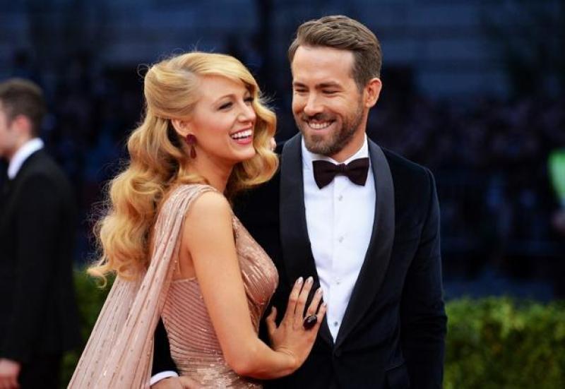 Blake Lively y Ryan Reynolds presentan a su nuevo bebe de manera curiosa