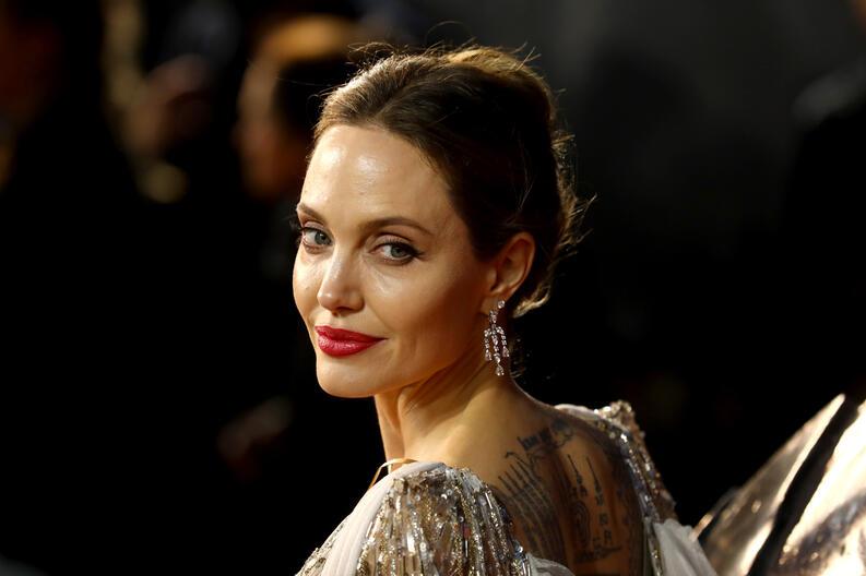 Angelina Jolie deslumbra en la premiere de Maleficent 2