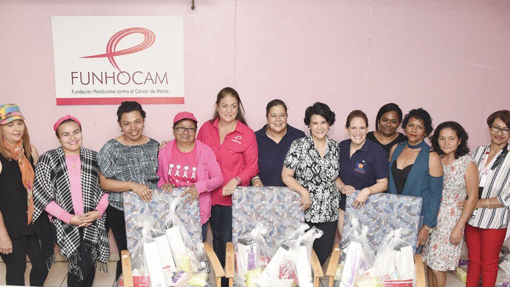 Entrega de Donativos de CEPUDO a Fundación Hondureña para el Cancer de Mamá (FUNHOCAM)