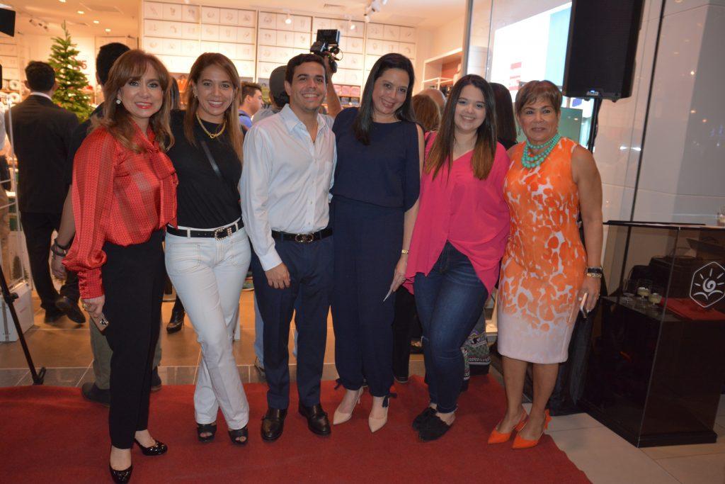 Inauguran la tienda Miniso en Galerías Del Valle