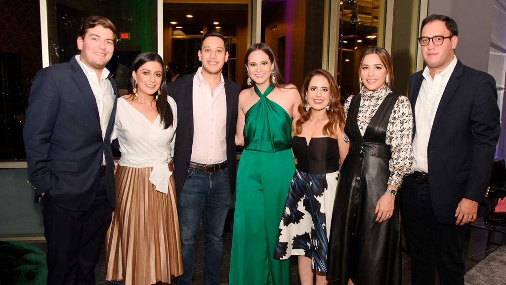 Despedida de Mauricio Ochoa y Paulina Lardizabal