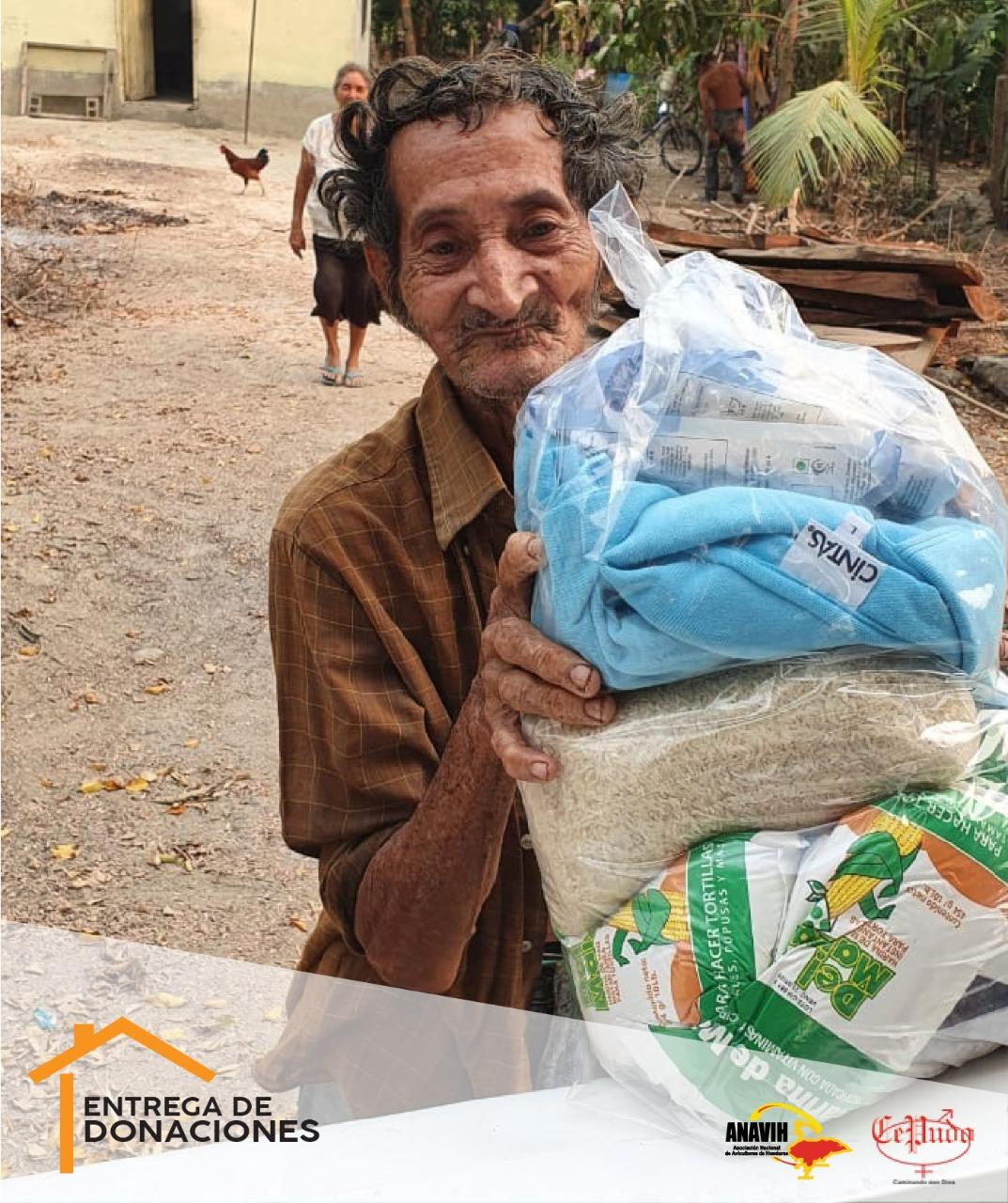 Productores avícolas continúan entregando donativos ante el COVID-19