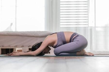 Rutina de ejercicios sencillos que puedes hacer en la noche