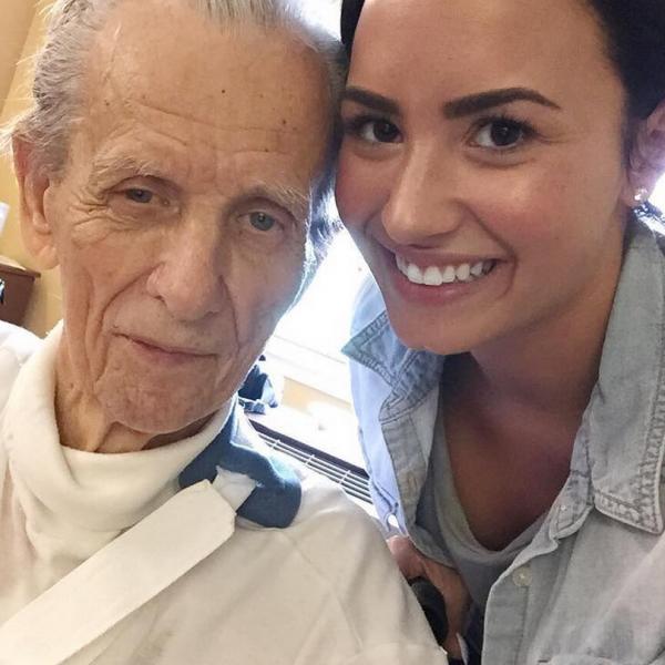 Fallece el abuelo de Demi Lovato