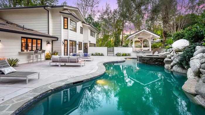 Miley Cyrus compra casa valorada en $5 millones