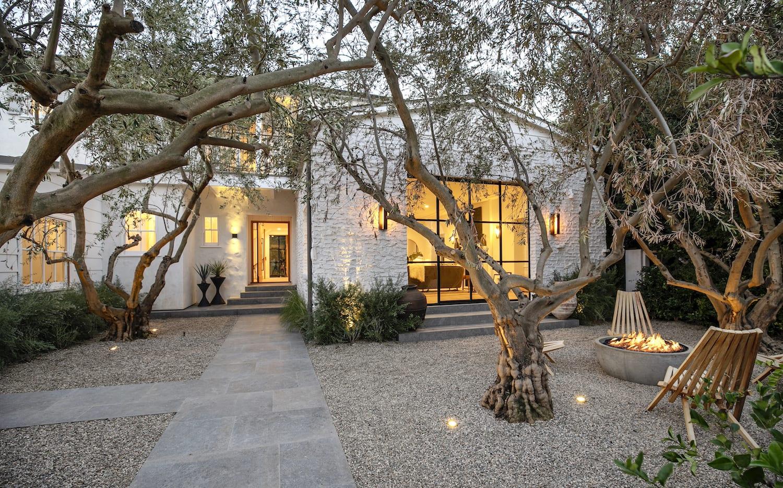 Hailey y Justin Bieber ponen a la venta su mansión de Beverly Hills