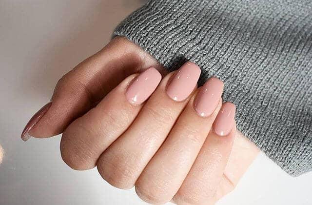 5 colores esenciales para tus uñas
