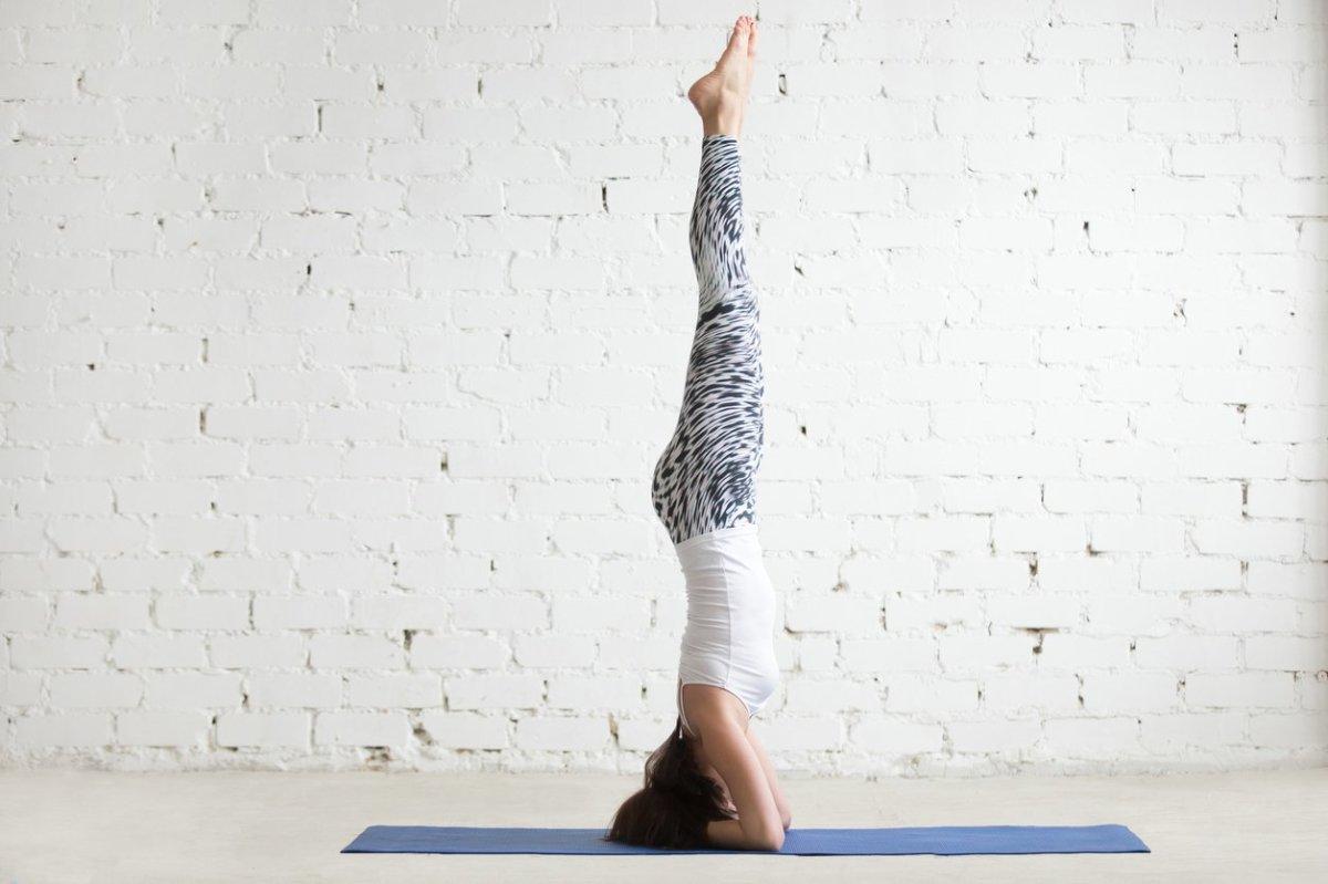 6 poses de Yoga que te ayudaran a reducir el estrés