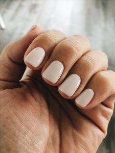 Los 6 colores de uñas que no te pueden faltar esta temporada