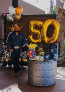 Celebrando los 50 años de Ali Hernandez