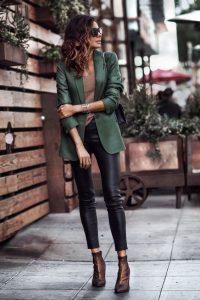 Cómo utilizar leggings para parecer más alta