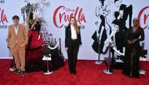 Emma Stone luce espectacular en la premiere de Cruella