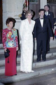 Recordando a la Princesa Diana y sus momentos más icónicos de moda