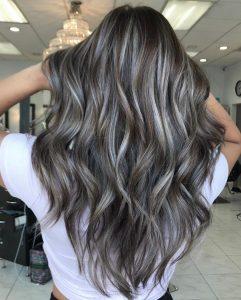 Grey Blending el nuevo color en tendencia para tu cabello